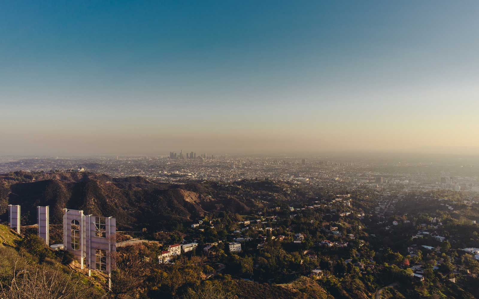 Los Angeles Might Legalize Short-term Airbnb Rentals — but With Tight Regulations