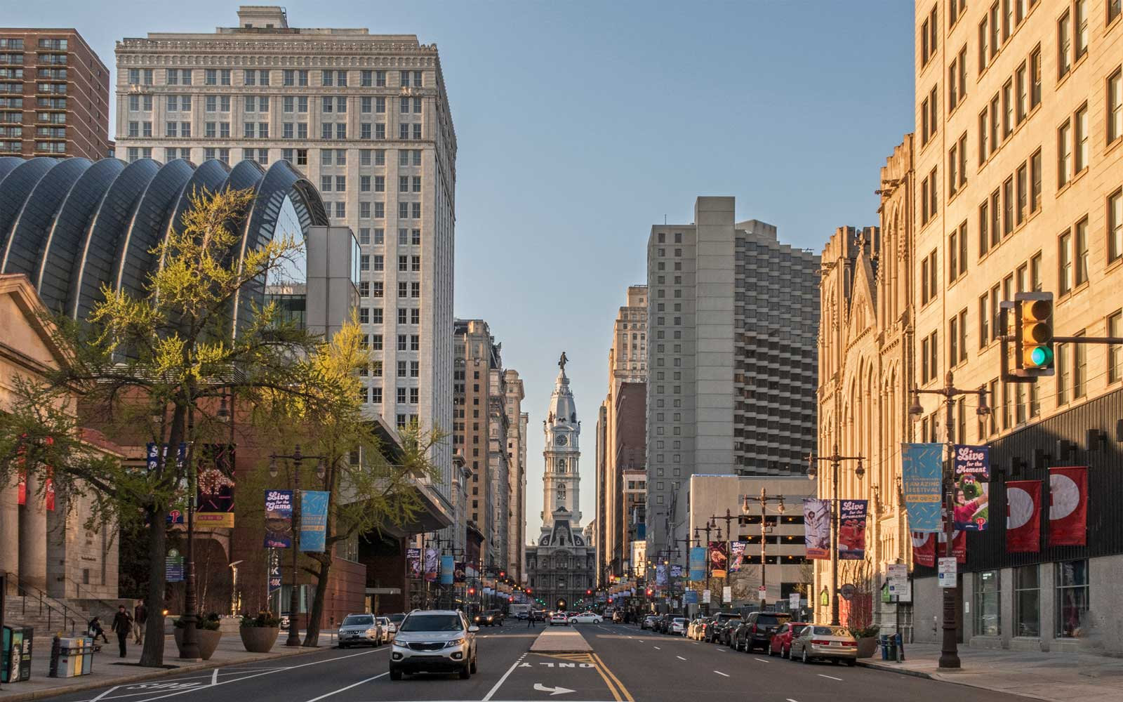 USA, Philadelphia, view to Broad Street and City Hall in the evening