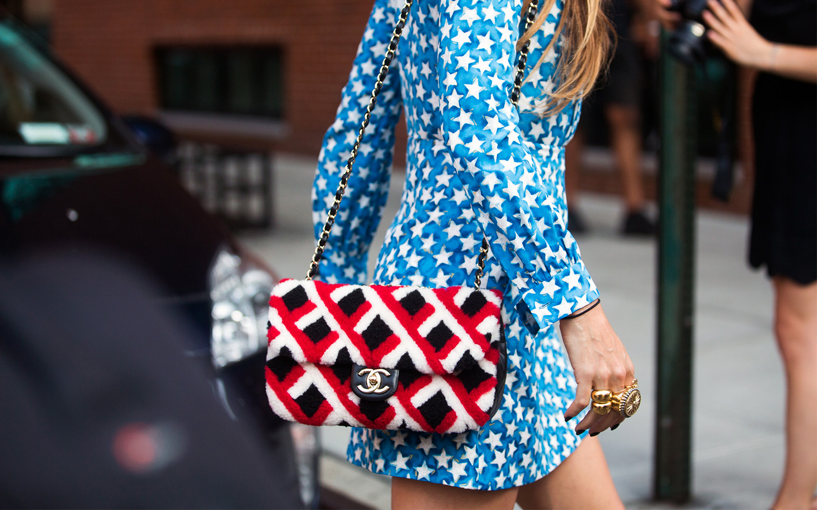 The best July 4th sales woman wearing July 4th outfit