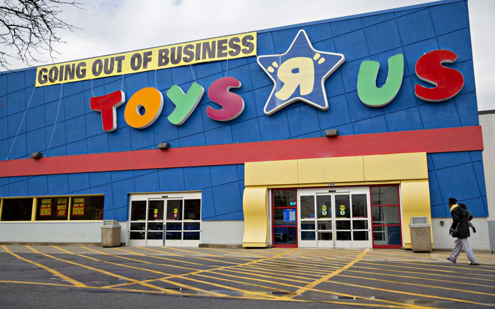 This Is the Last Day You Can Shop at Toys 'R' Us