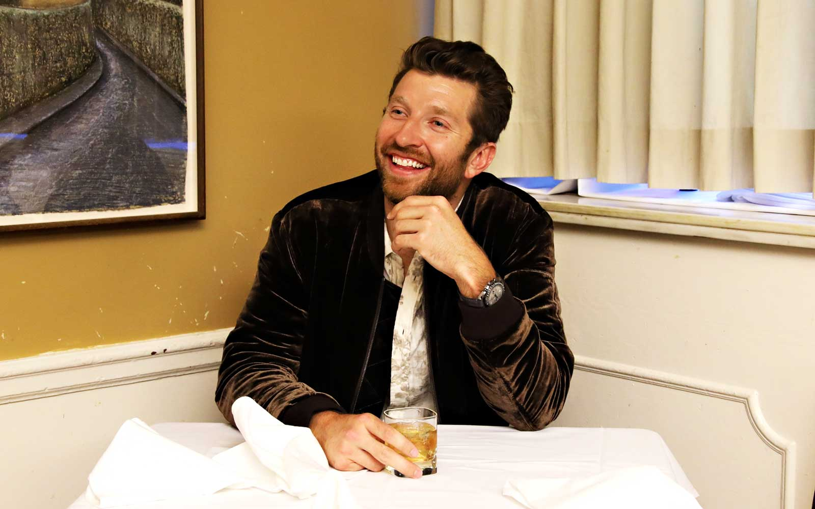 Why Brett Eldredge Says a 'Gratitude Journal' Is the Secret to Having the Perfect Vacation