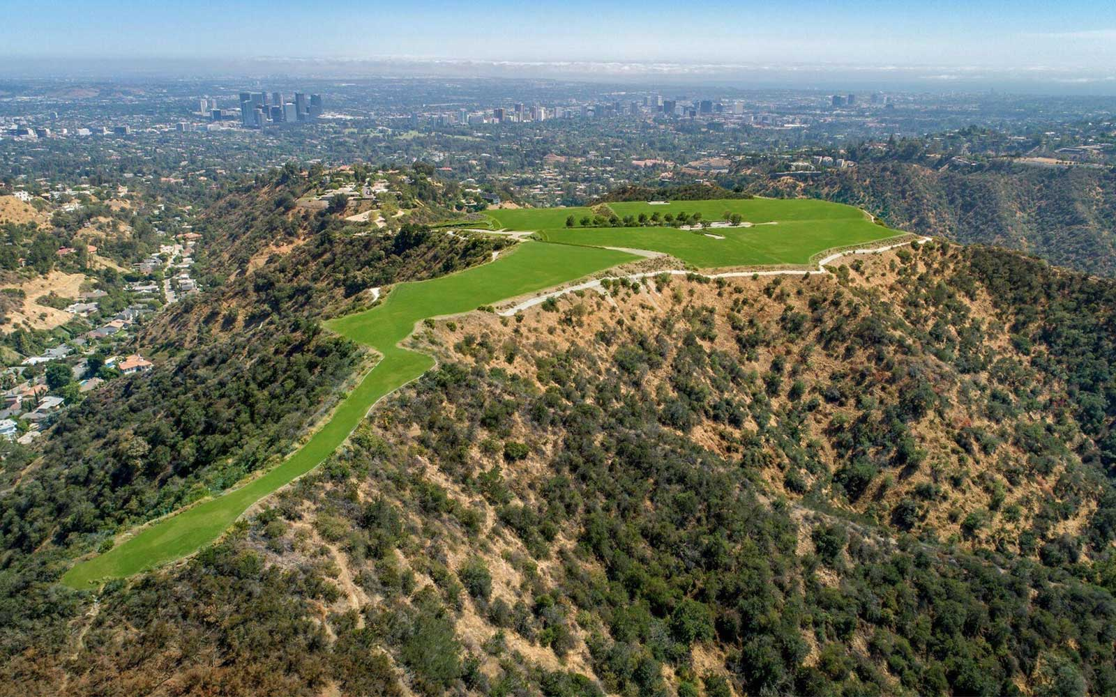 """""""The Mountain"""" in Beverly Hills"""