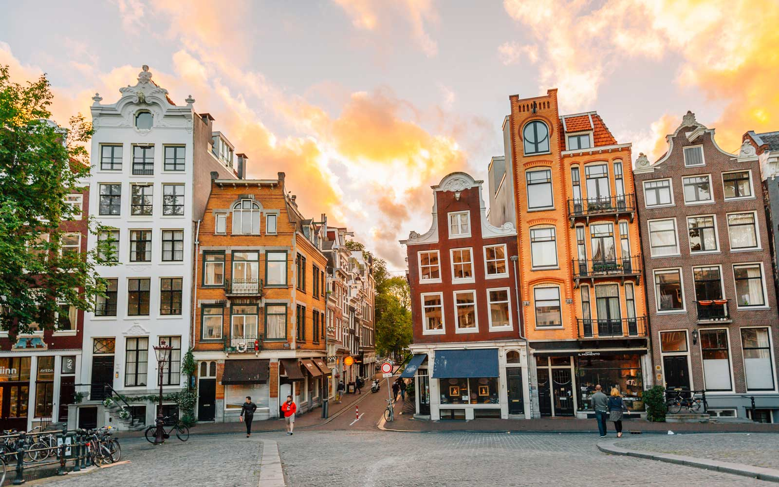 These Are All the Cheap Flights to Europe You Can Book Right Now for a Fall Getaway