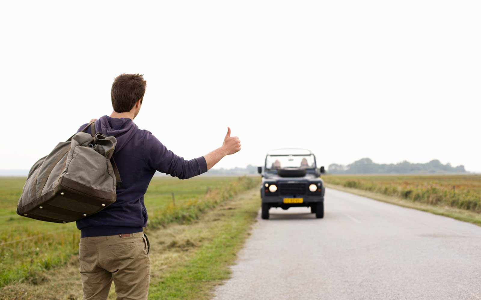 This 24-year-old Is Hitchhiking Across America and Live-streaming the Whole Trip