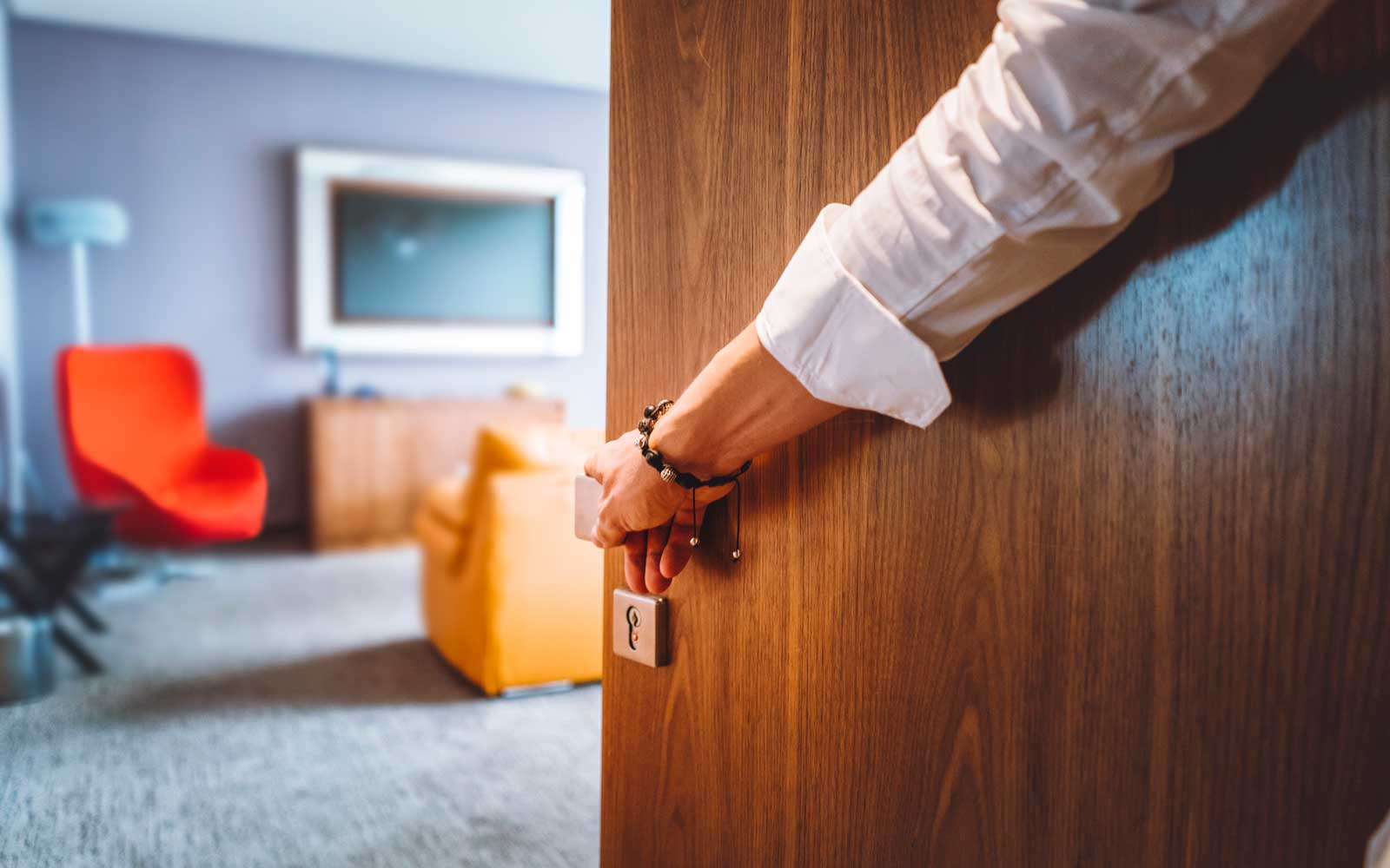 There's a Simple Trick to Shutting Your Hotel Room Door Quietly