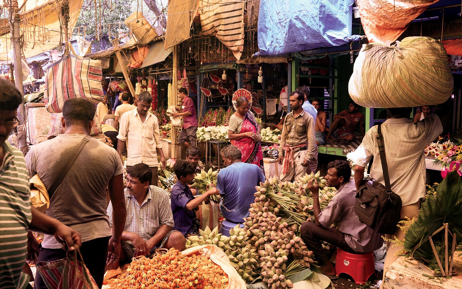 Market scene in Kolkata, India