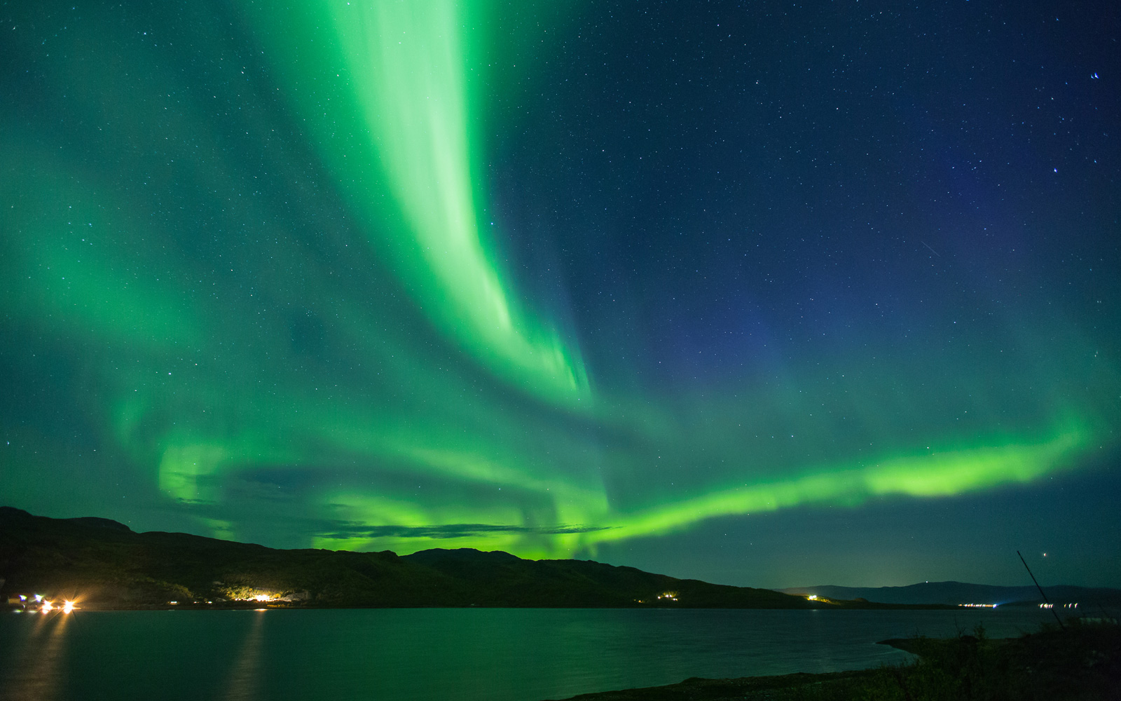 SAS Is Having a Sale With Cheap Flights to Scandinavia to See the Northern Lights