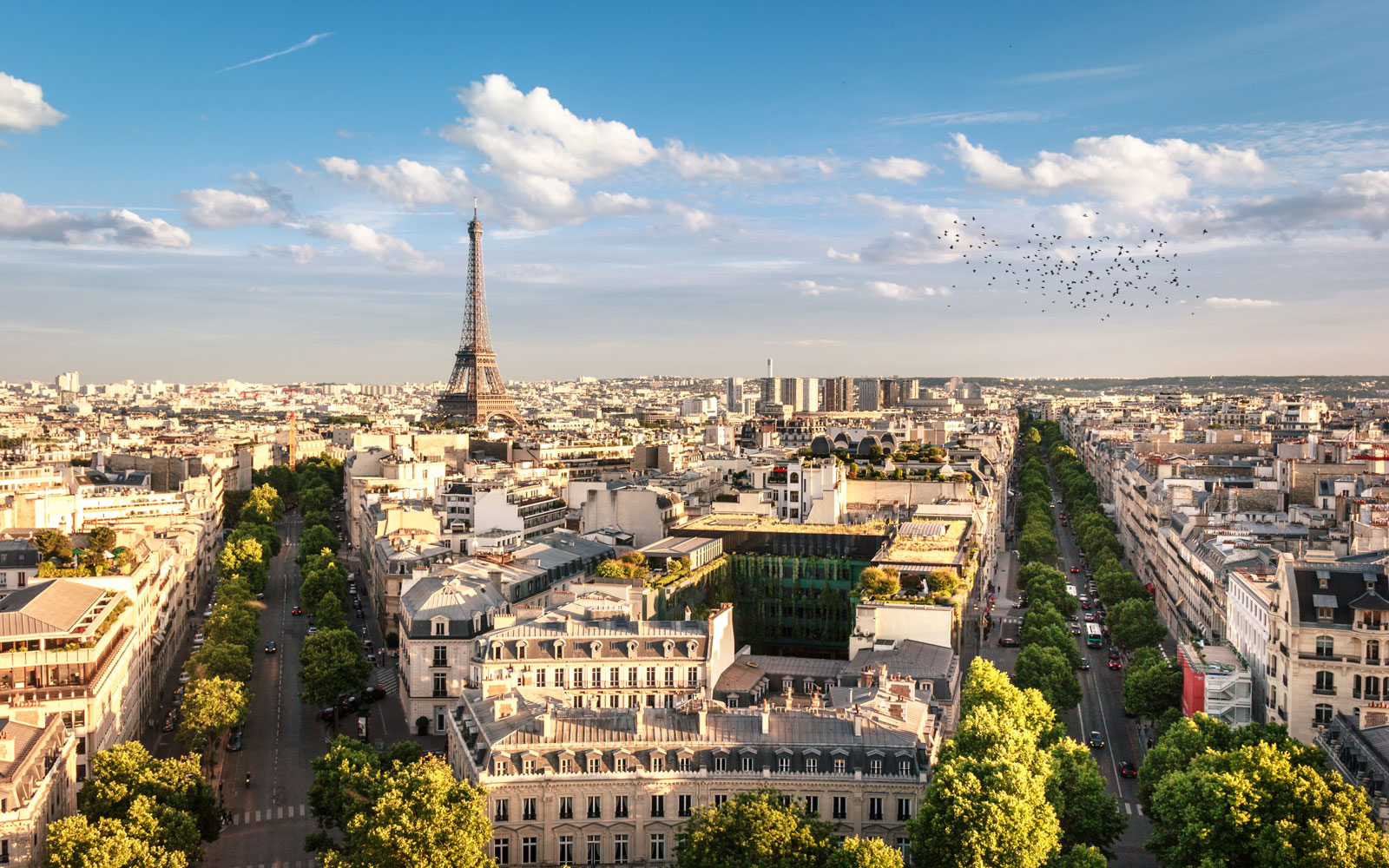 Fly to Paris, France for under $500 round-trip with these flight deals.
