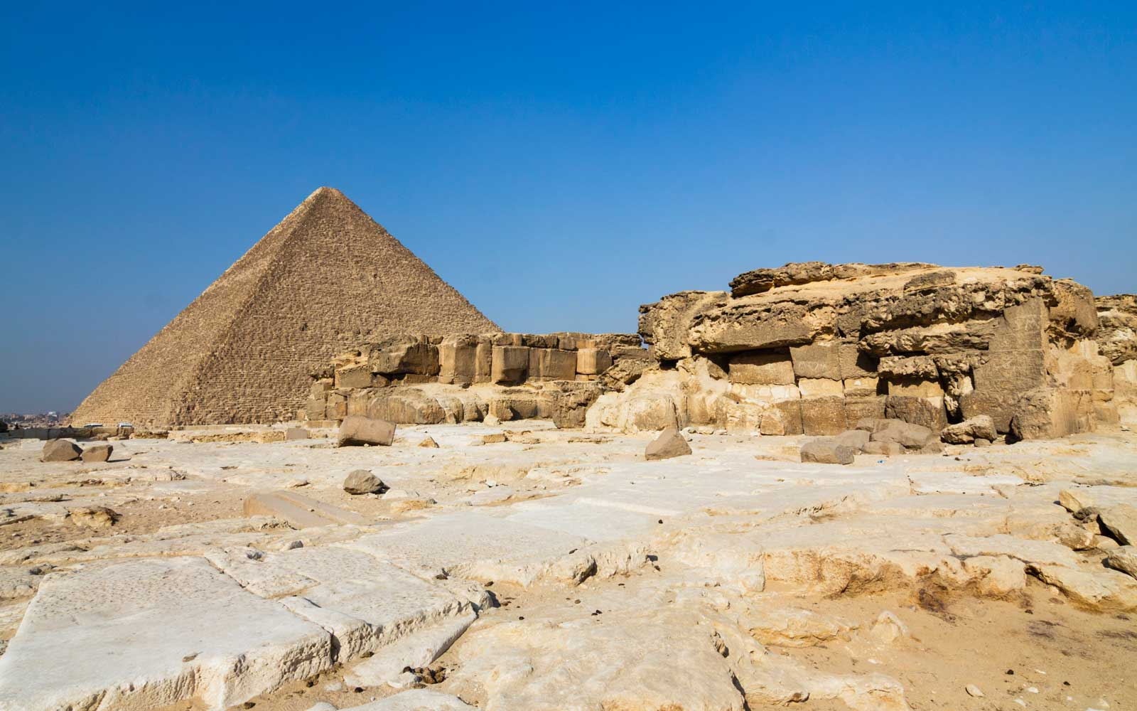 Archaeologists Uncover 3,200-year-old Cheese in Egyptian Tomb