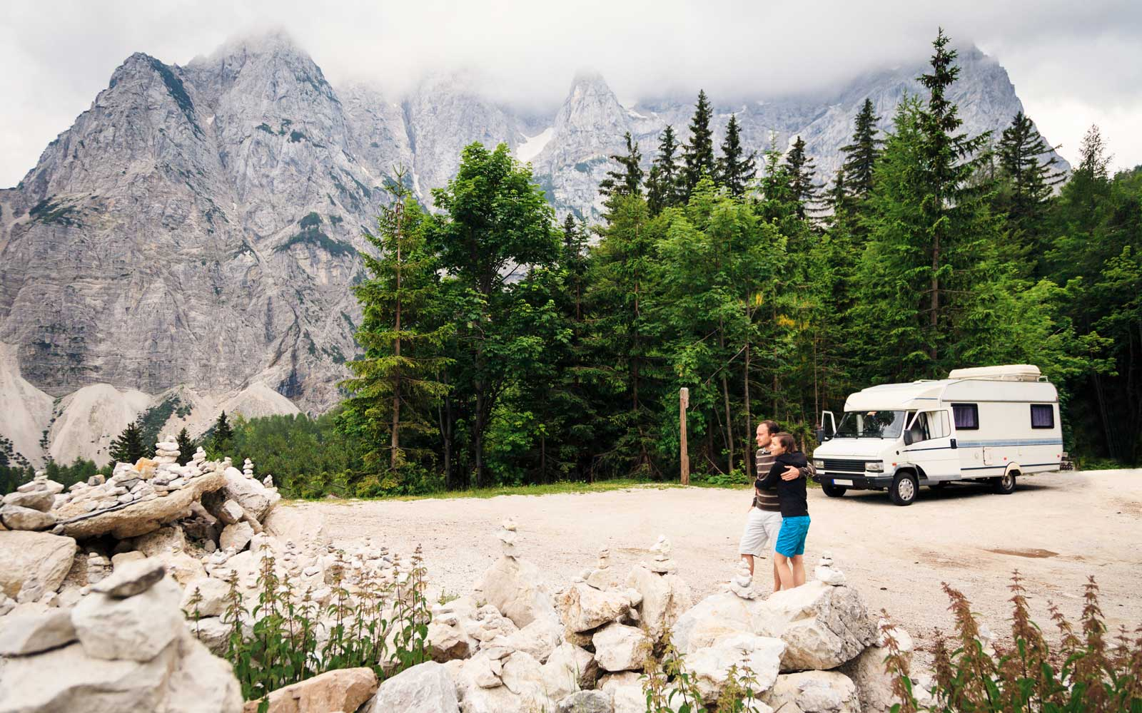 How to Plan the Perfect Honeymoon Road Trip