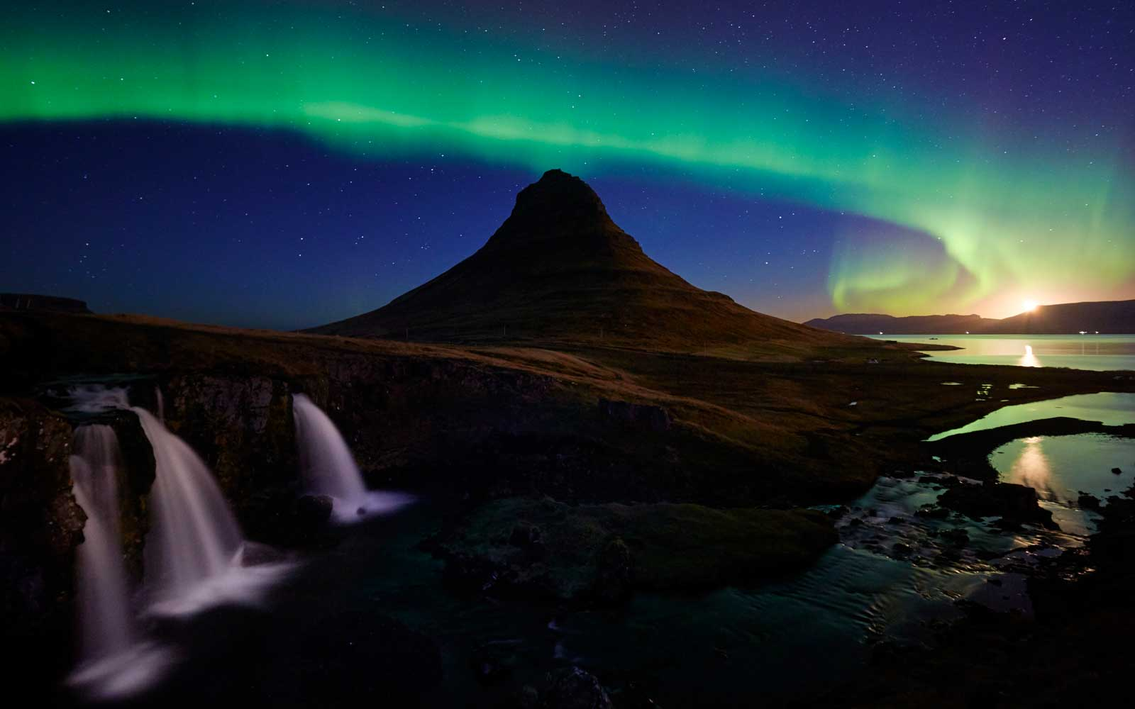 Cheap Flights to Iceland to See the Northern Lights Starting at $99