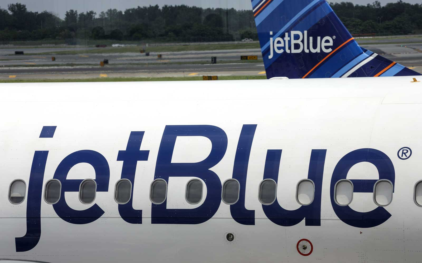 Why JetBlue's New Baggage Fees Might Actually Be Good for You