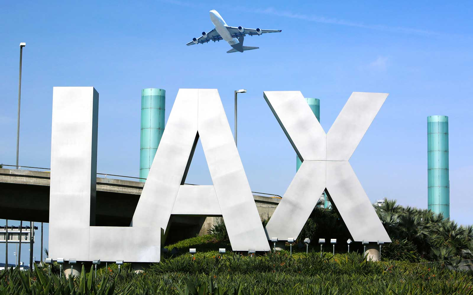 Los Angeles Airport Allows Weed