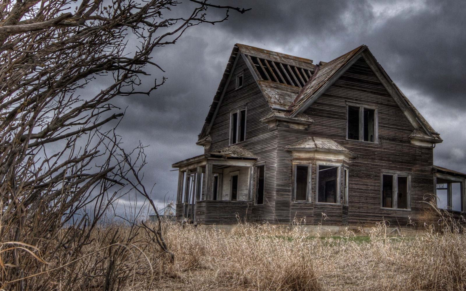 Going to a Haunted House Can Make You Happier, Study Says