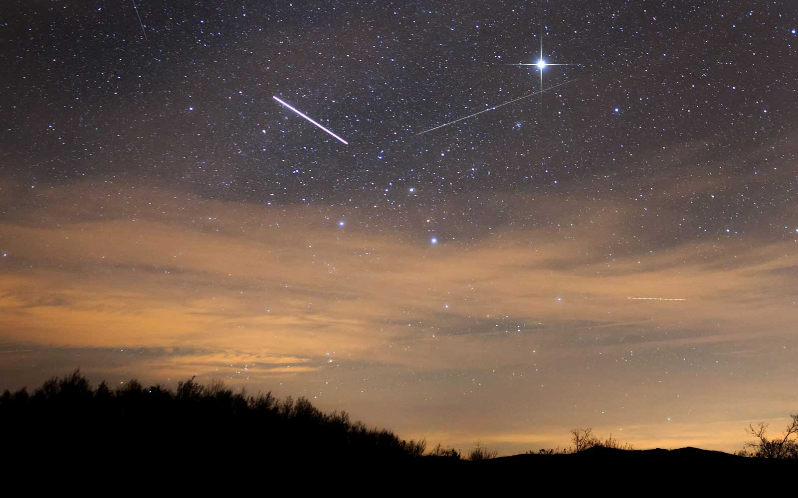 A Meteor Shower Is Peaking This Halloween — Here's How to See Fireballs Light Up the Sky