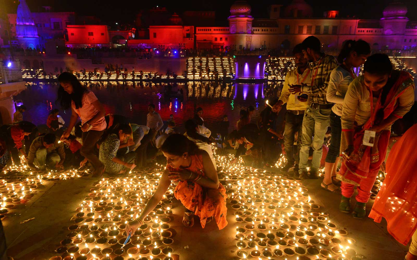 This Indian City Lit a Record-breaking 300,000 Clay Lamps to Celebrate Diwali