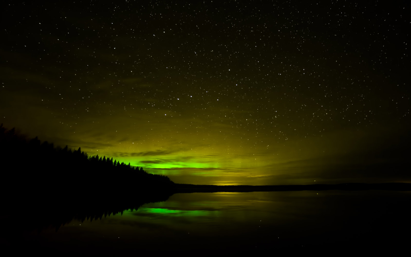 The Northern Lights May Be Visible in the U.S. Tonight