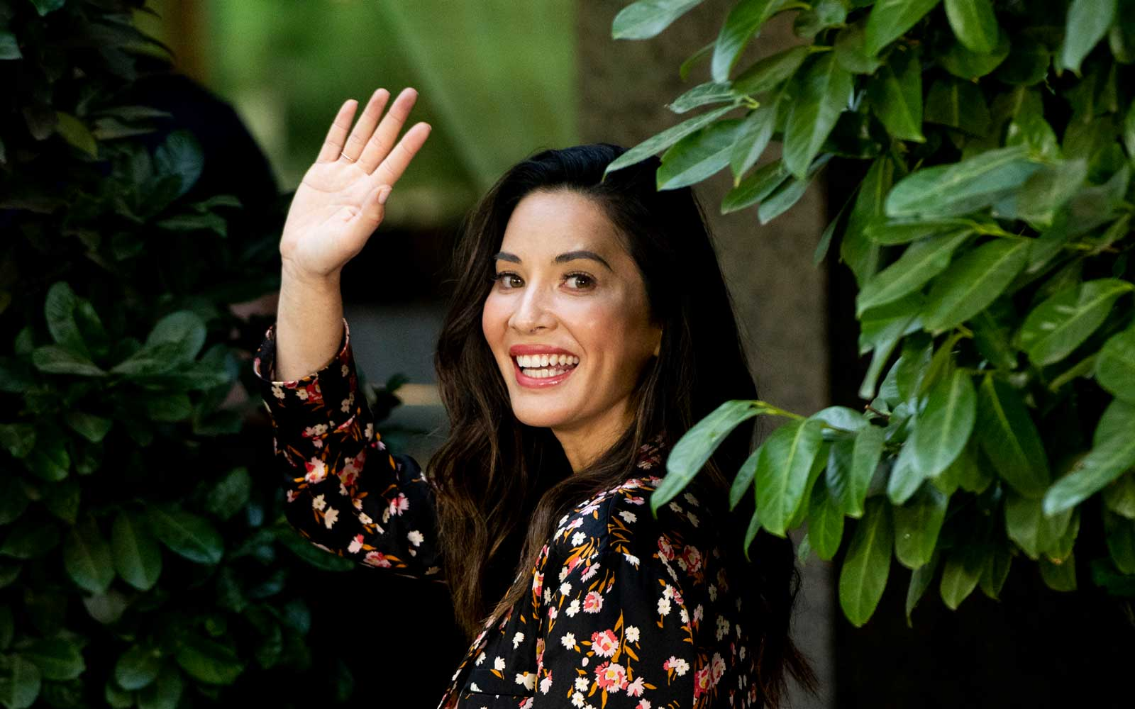The Travel Hack Olivia Munn and the Queen of England Have In Common