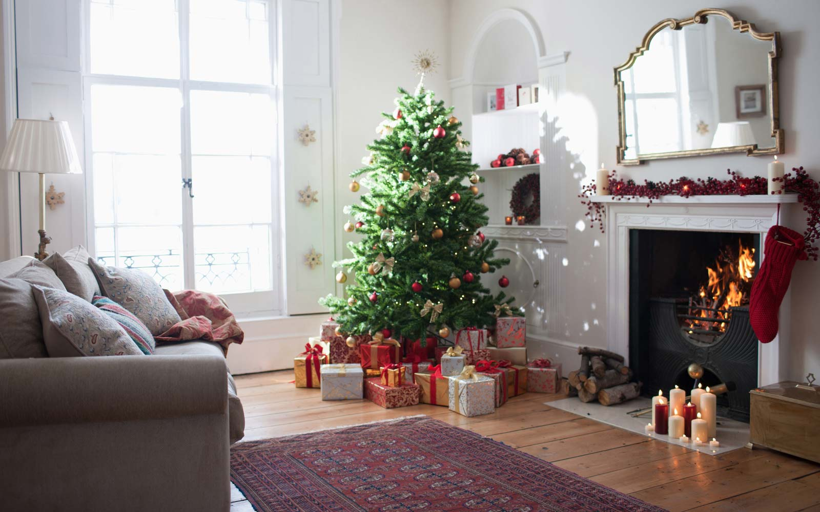 7 Tips to Make Your Christmas Tree Last As Long As Possible