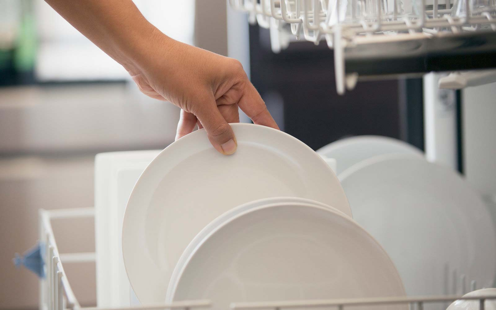 Why You Should Stop Rinsing Your Dishes Before You Put Them in the Dishwasher