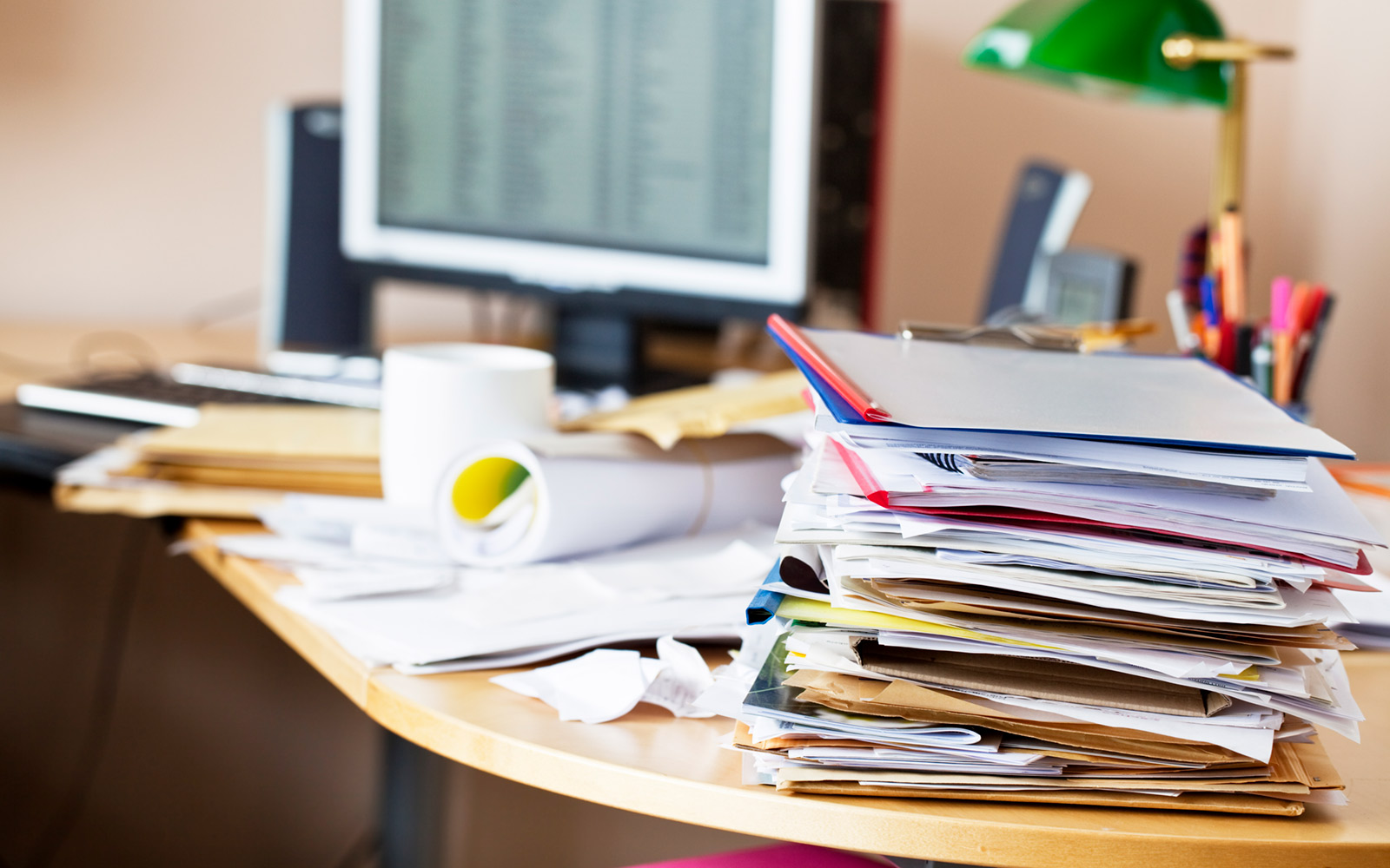 Your Messy Desk Makes Your Co-workers Think of You As 'Cranky,' New Study Finds