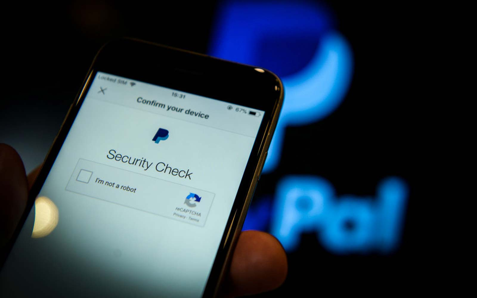 How to Avoid Hackers When Using Venmo and PayPal