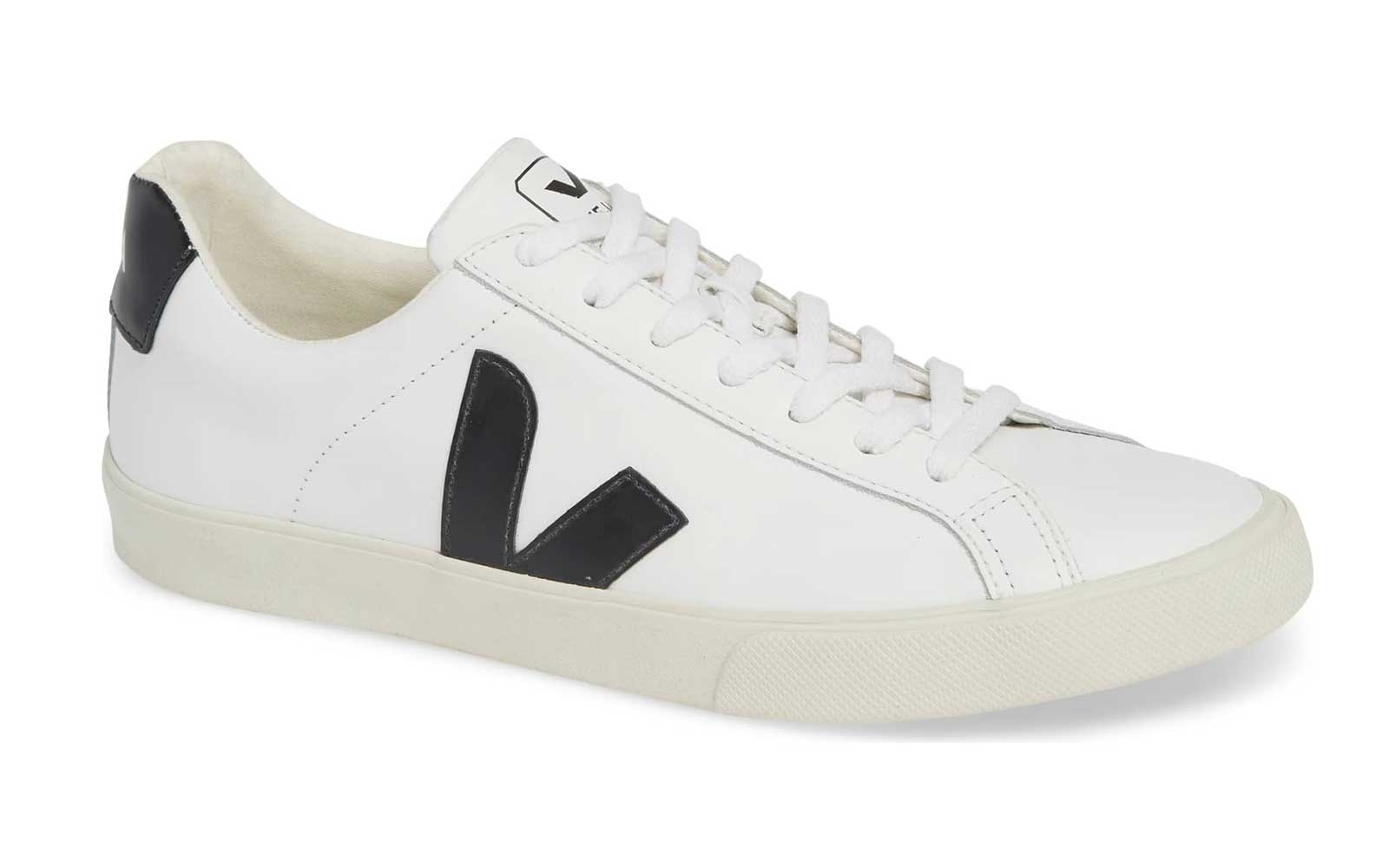 Veja V-12 sneakers worn by Meghan Markle