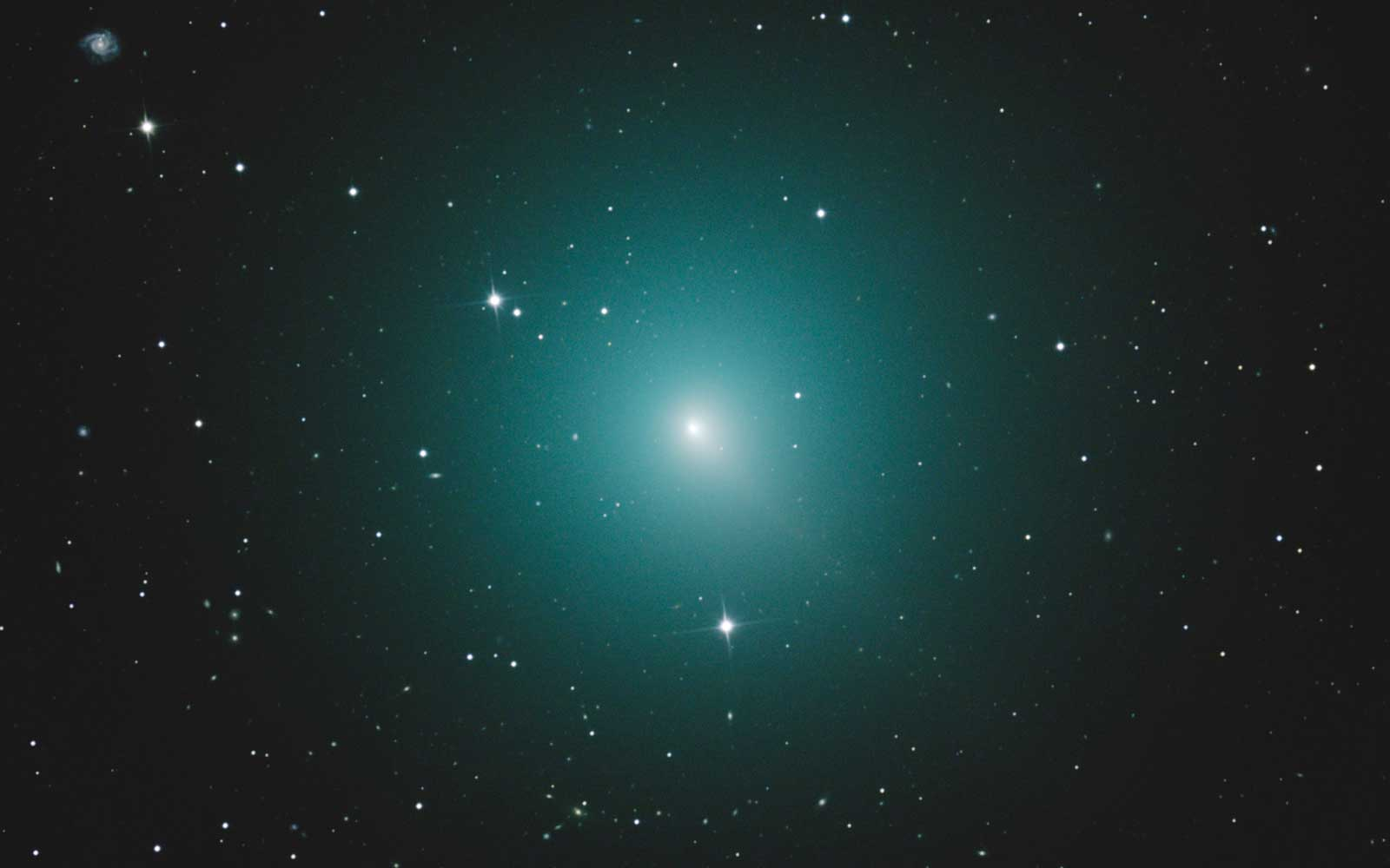 A 'Christmas Comet' Is Coming This Weekend — and It Won't Shine This Bright Again for 20 Years