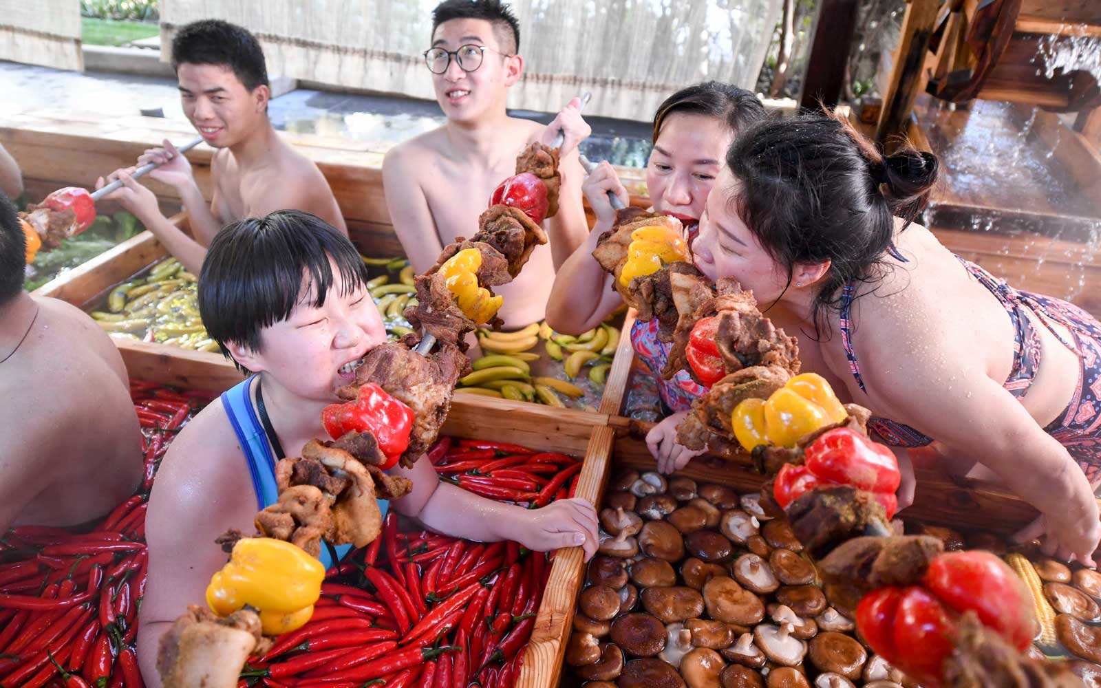 Hot Pot Shaped Hot Spring In Hangzhou To Welcome Chinese New Year
