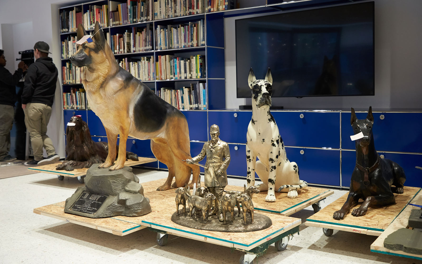 Figurines at the Museum of the Dog