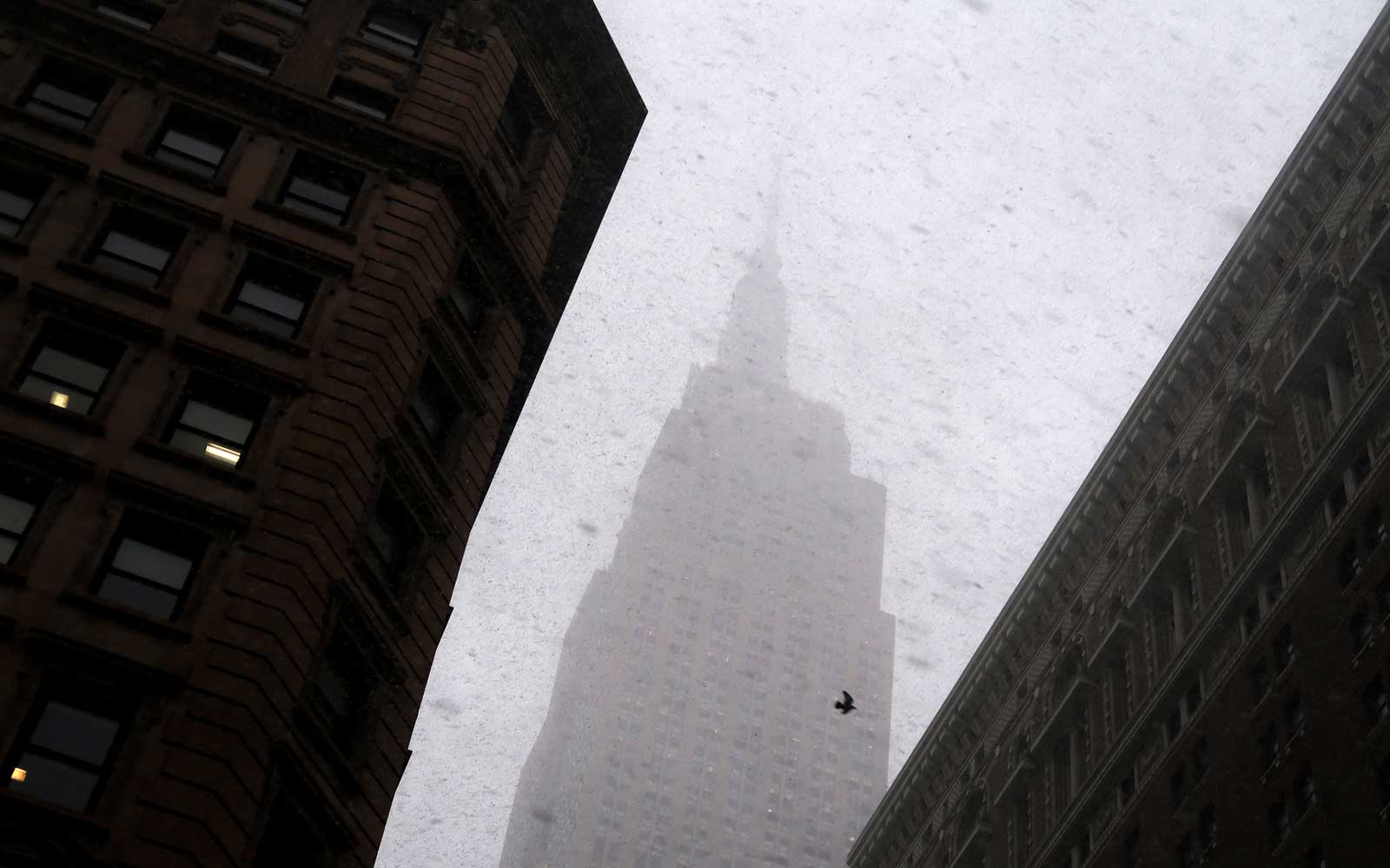 Watch Manhattan Disappear in Footage From Wednesday's Wild Snow Squall