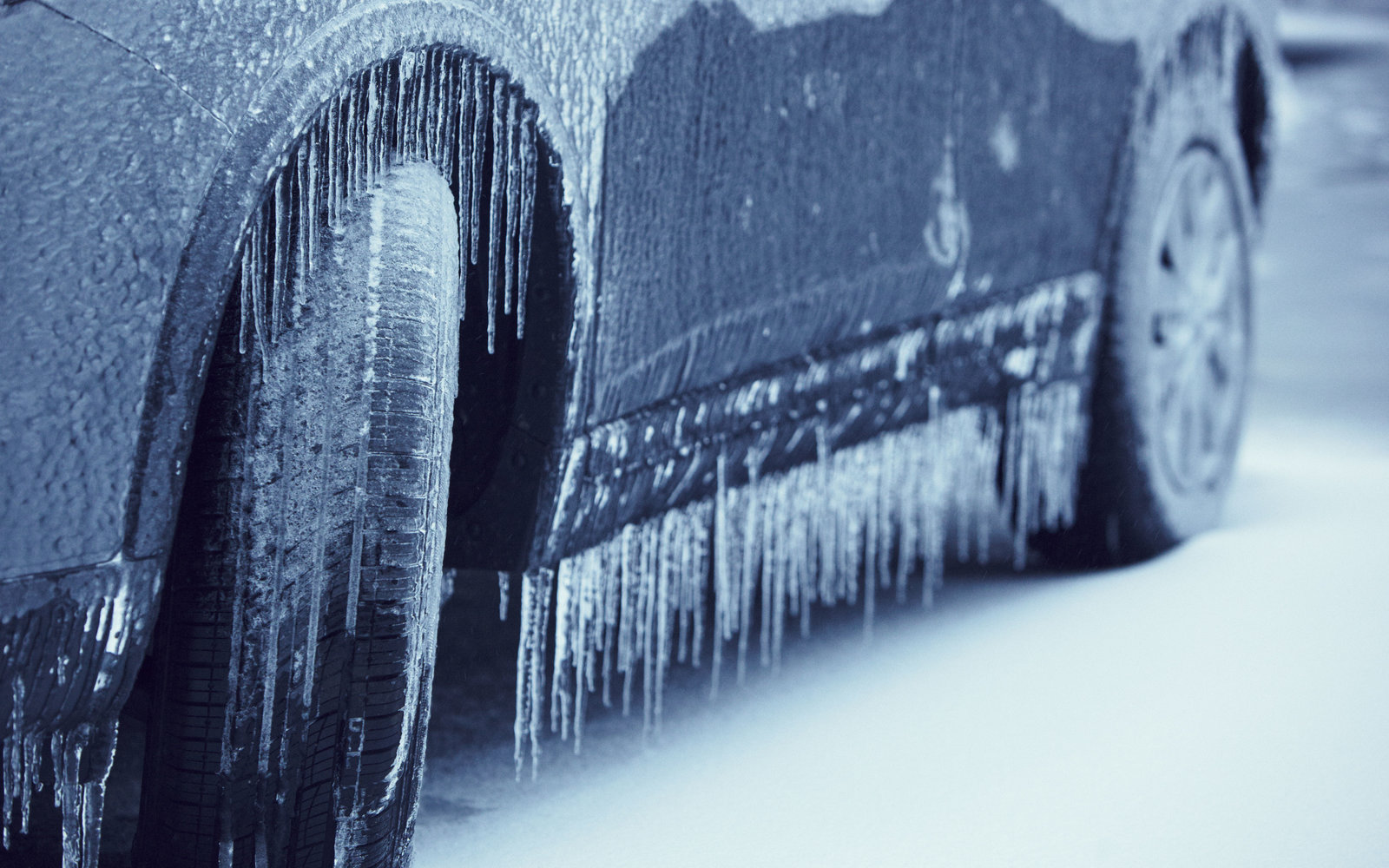 Why You Should Keep Your Car's Gas Tank Full in Cold Weather