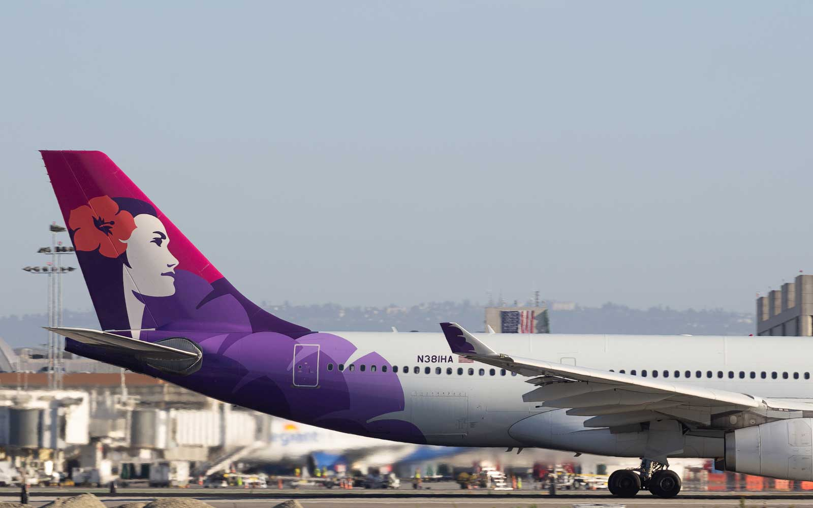 A Hawaiian Airlines Flight Was Forced to Return to LAX Three Times for Separate Issues