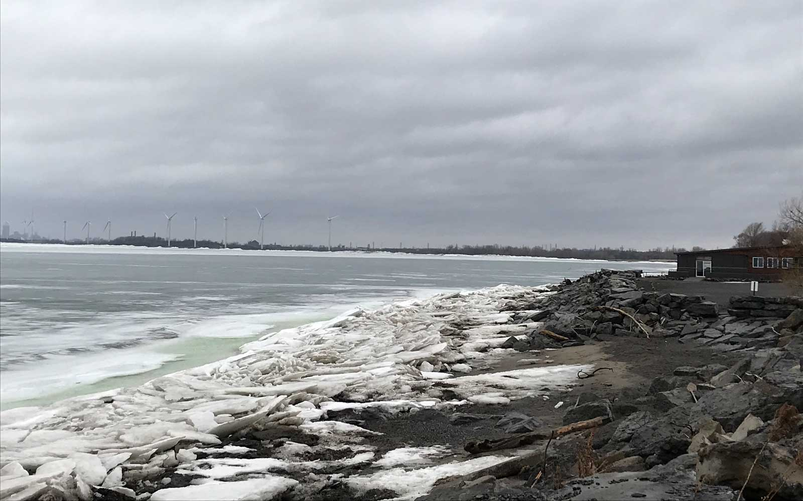 High winds cause ice boom to give way in Lake Erie