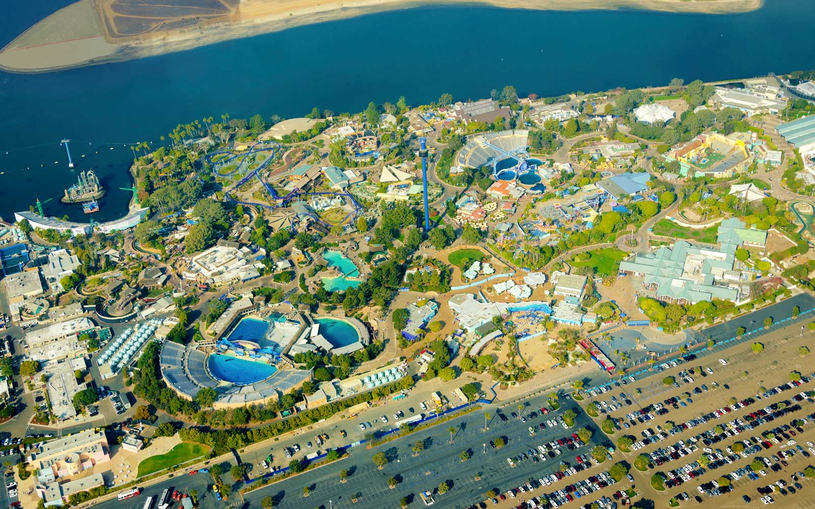 16 People Rescued From Malfunctioning Gondola Ride at SeaWorld San Diego
