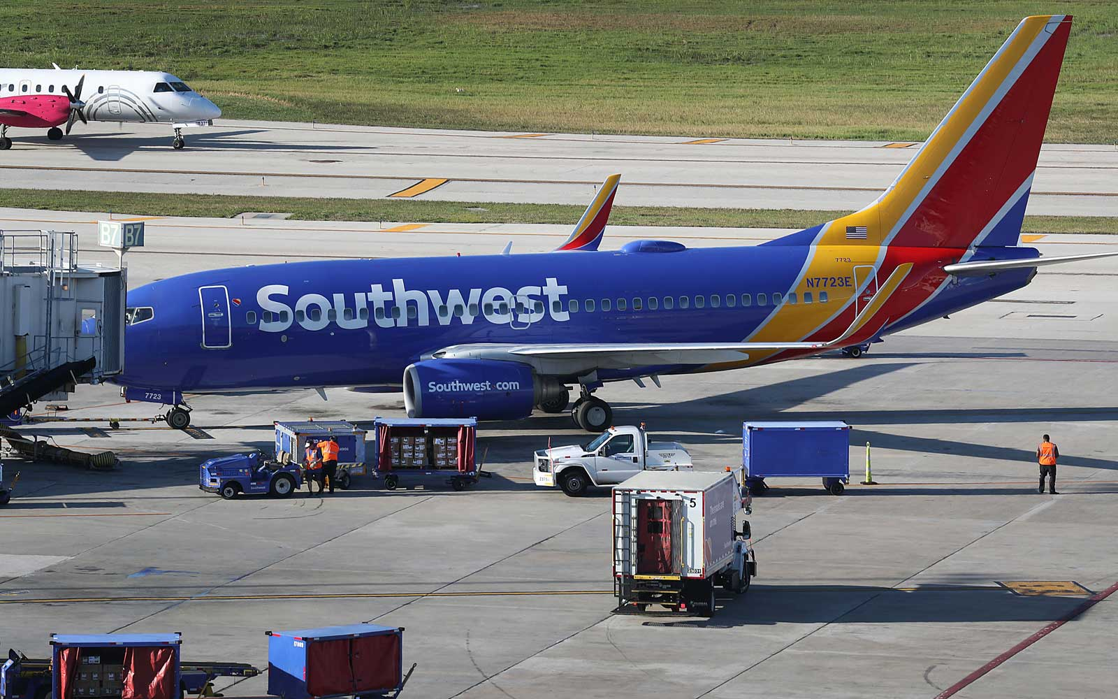 Southwest Accuses Mechanics of Deliberately Causing Flight Cancellations and Delays