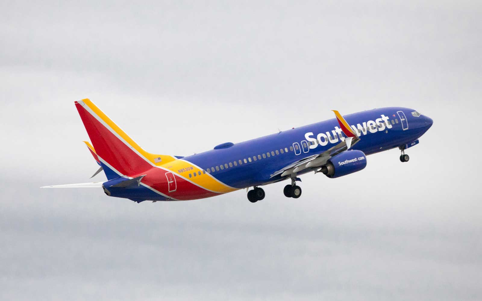 Southwest Flight Makes Emergency Landing After Pressure Issues Cause Passenger's Ear to Bleed