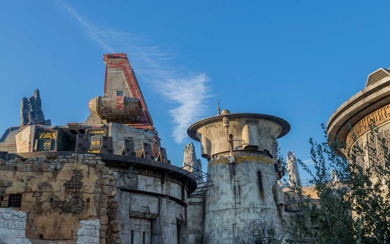 Star Wars Land Will Serve Blue Milk, Endorian Chickens — and You Won't Guess What Else