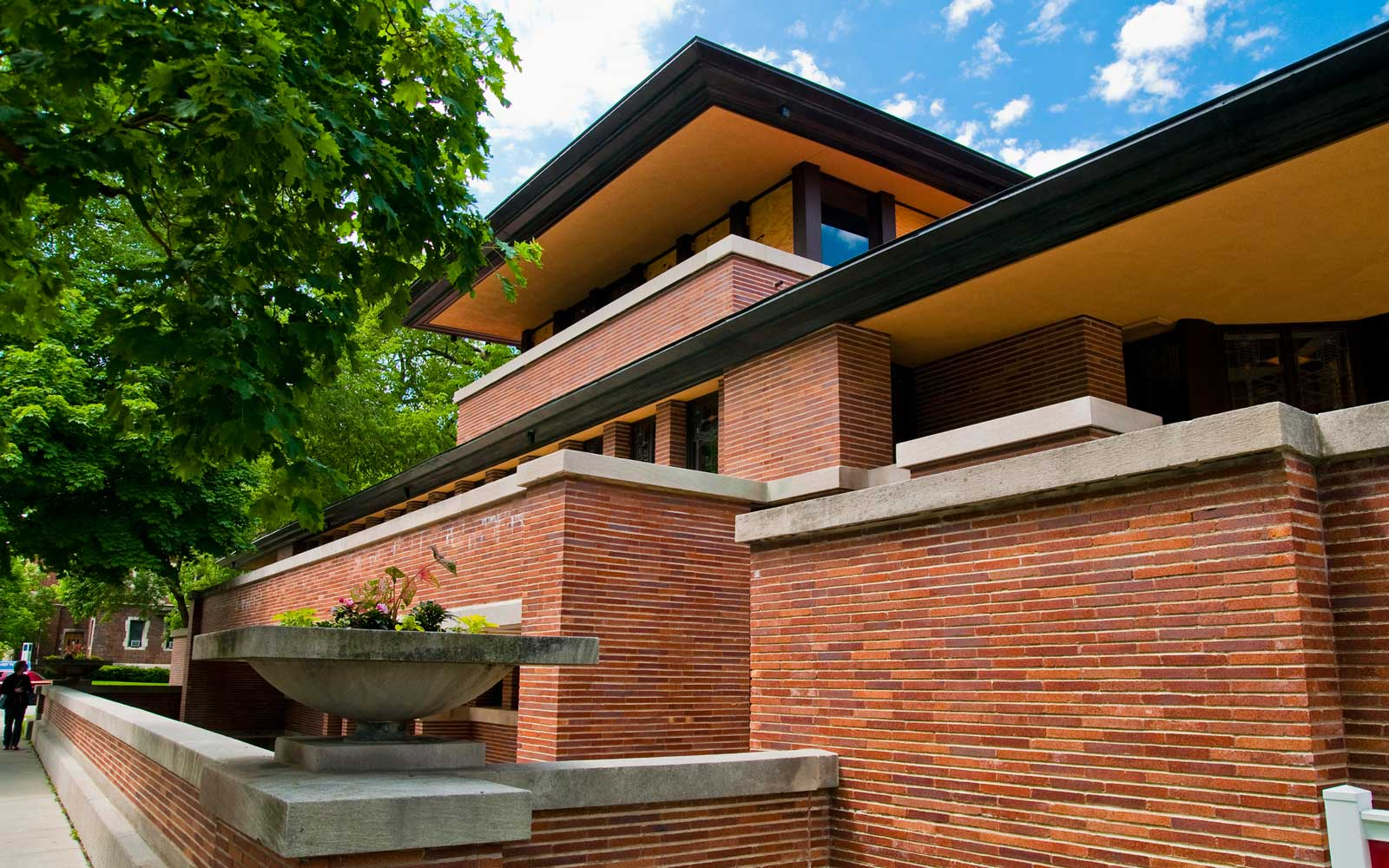 Tour the Robie House, Frank Lloyd Wright's Newly Restored Masterpiece