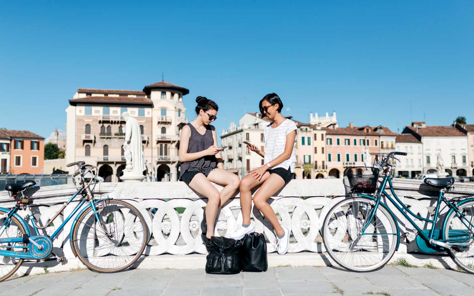 American tourists in Italy