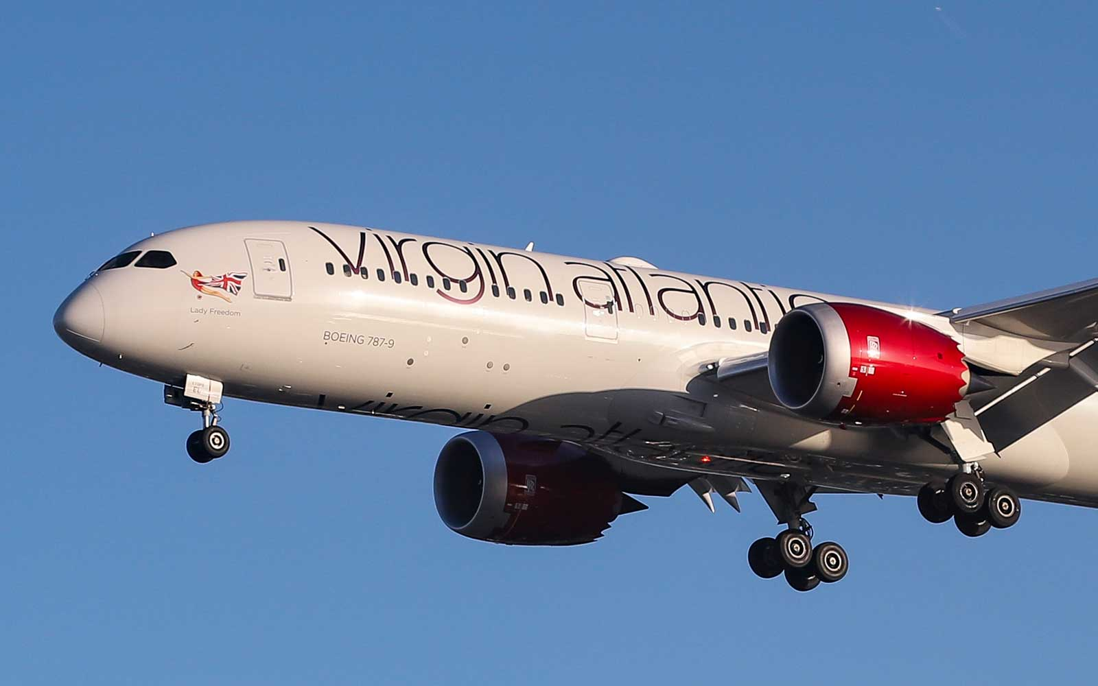 Virgin Atlantic Flight Quarantined After Dozens of Passengers Experience Nausea, Coughing Fits