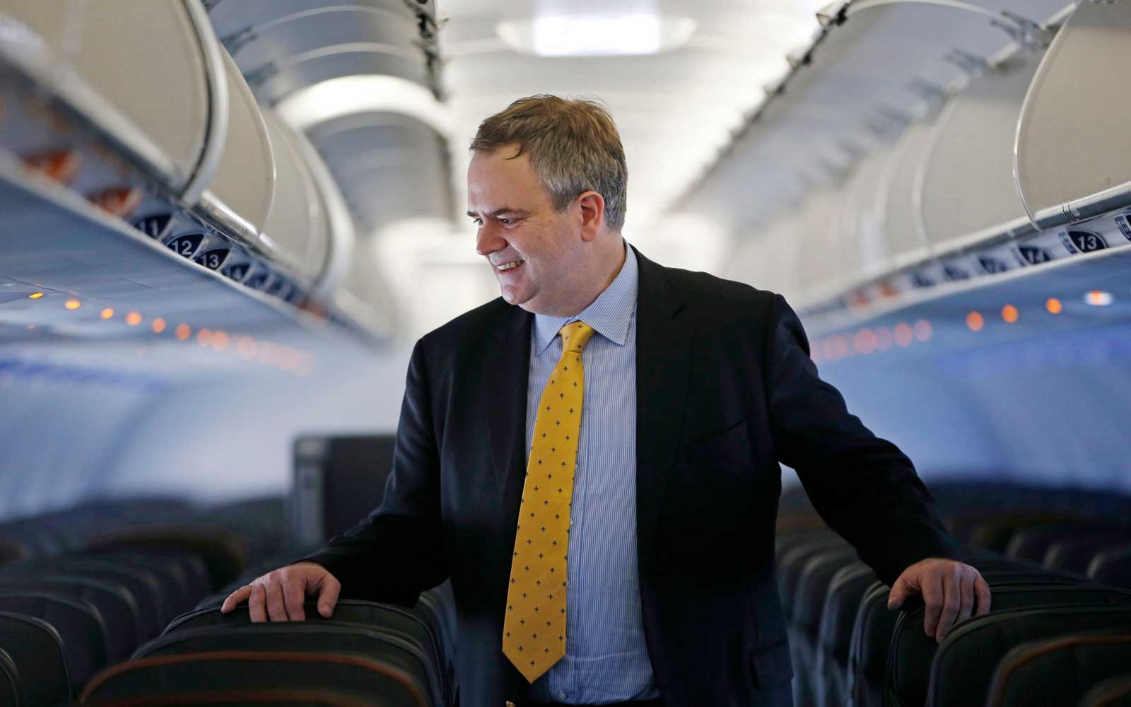 JetBlue's CEO Picked Up Trash and Gave Away Free Tickets on a Recent Flight