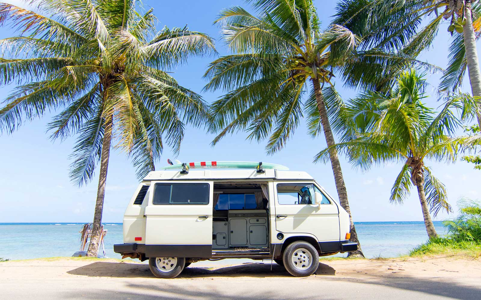 You Can Now Spend the Night on the Beaches of Hawaii in a Retro Volkswagen Campervan