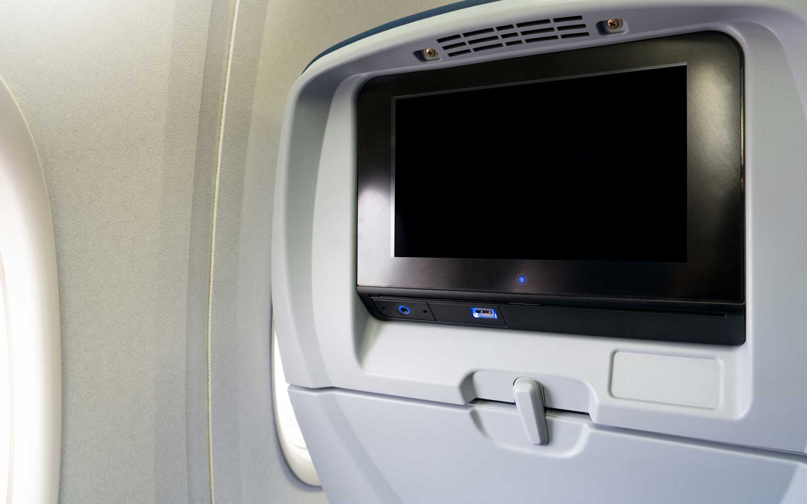 United, American, and Delta Covering Cameras on In-flight Screens After Passenger Pushback