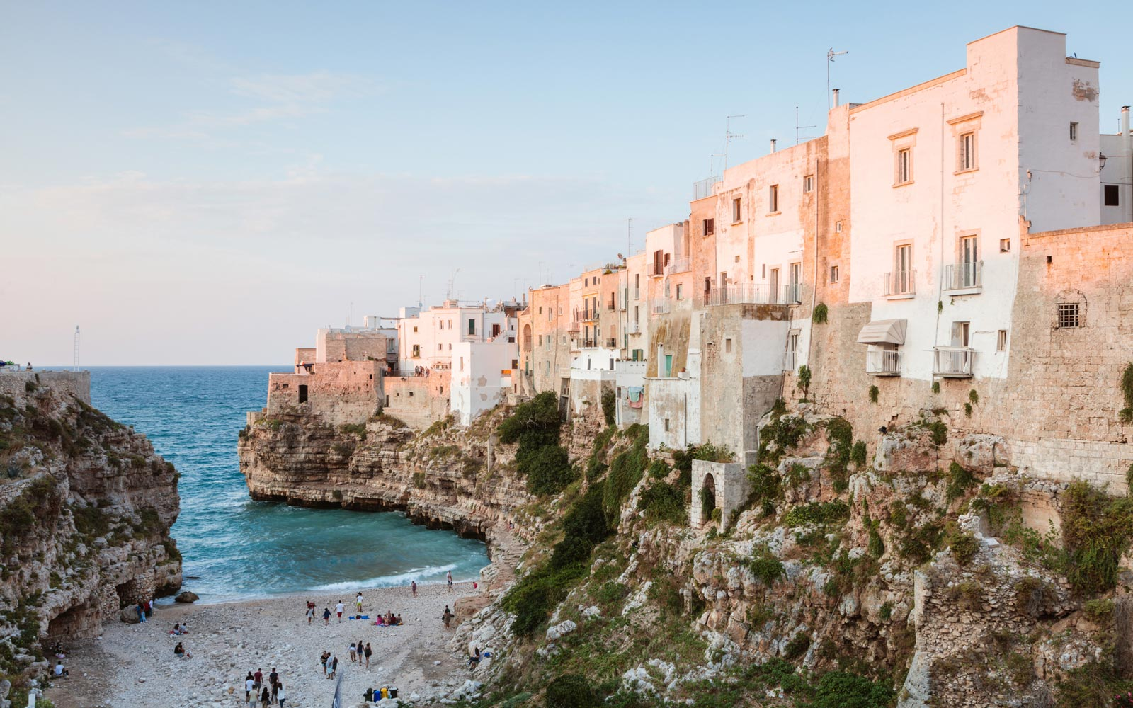 14 Ways to Save Money on Your Next Vacation