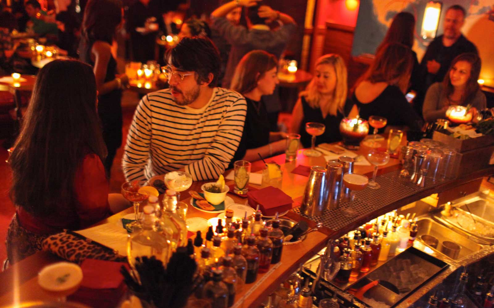 This Underground NYC Speakeasy Is Lit Only by Lamplight
