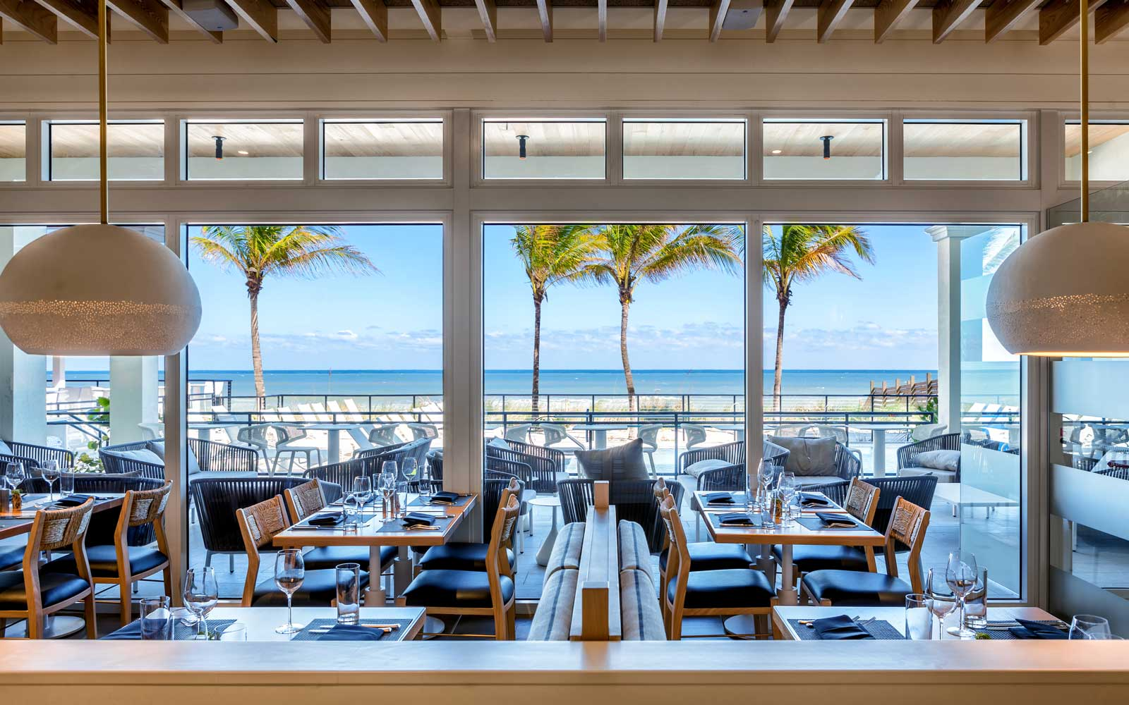 Drift Kitchen & Bar at Hutchinson Shores Resort & Spa