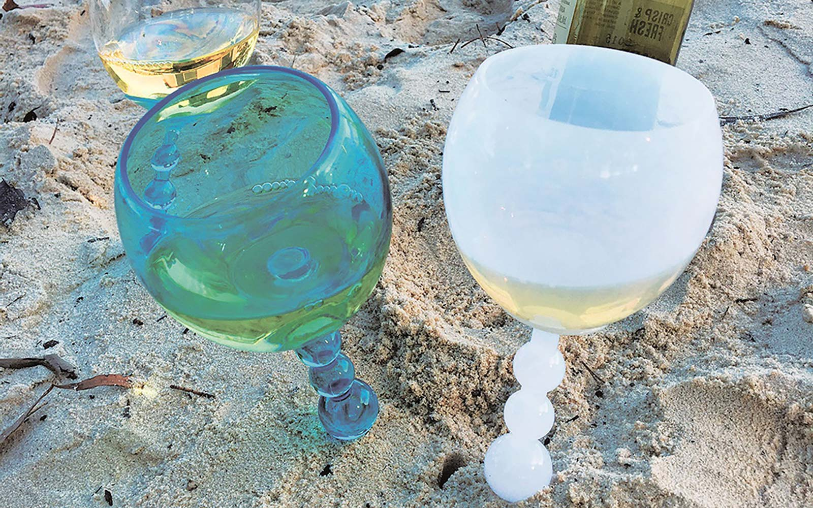 These Aldi Wine Glasses Float in the Water and Stand in the Sand