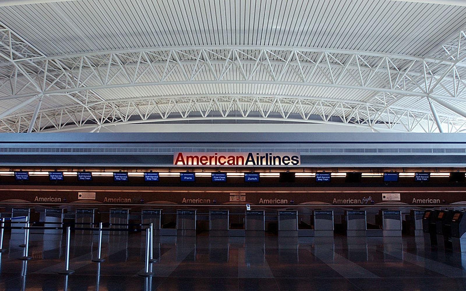 You Might Soon Be Able to Prepay for Your Checked Bag on American Airlines