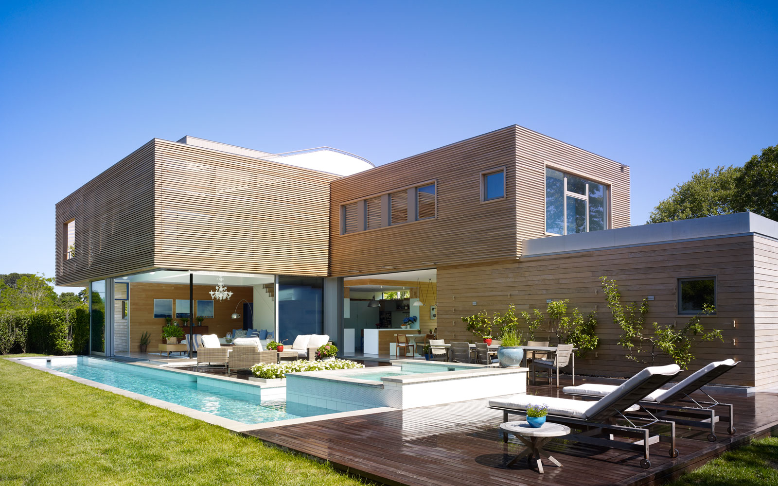 This Strikingly Modern Home Is a Hamptons Vacation Rental
